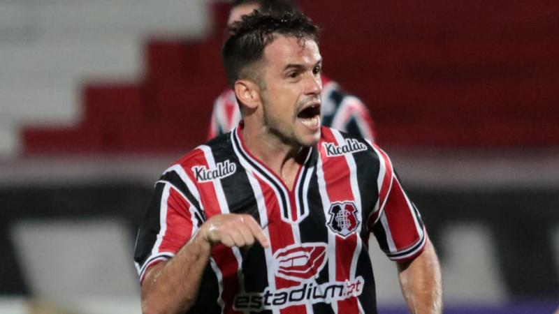 Com dois gols na partida, Pipico foi o grande destaque da vitória do Tricolor em pleno Frei Epifânio, no Maranhão
