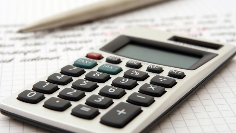 Imposto pode ser pago em agências bancárias, internet banking ou débito automático