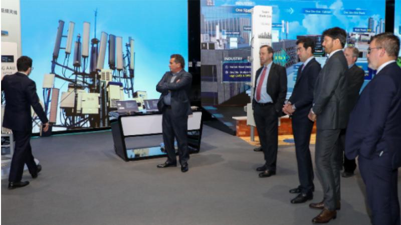 Comitiva brasileira chefiada pelo ministro das Comunicações, Fábio Faria, assistiu a demonstrações de uso do 5G e até da tecnologia 6G, ainda em desenvolvimento