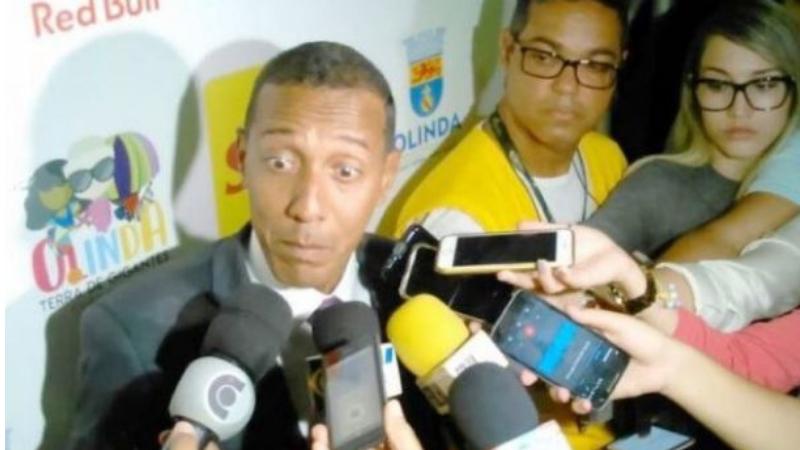 Vídeo com populares rechaçando a presença do prefeito na comunidade tem alcançado enorme repercusão nas redes sociais