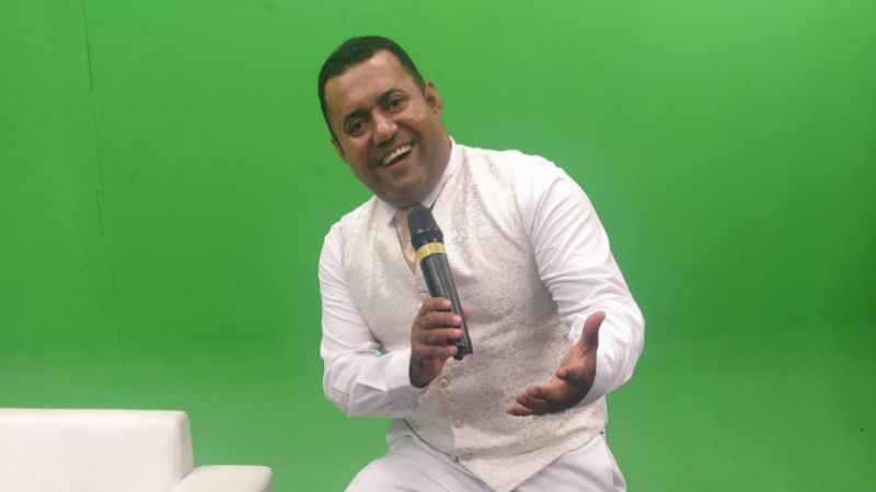 A decisão partiu do Diretor da rádio, Sael Lima, fruto da boa atuação do radialista