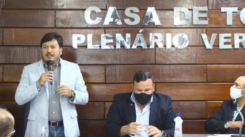 O vice-prefeito representou o prefeito Yves Ribeiro na primeira plenária realizada pelos novos vereadores da cidade