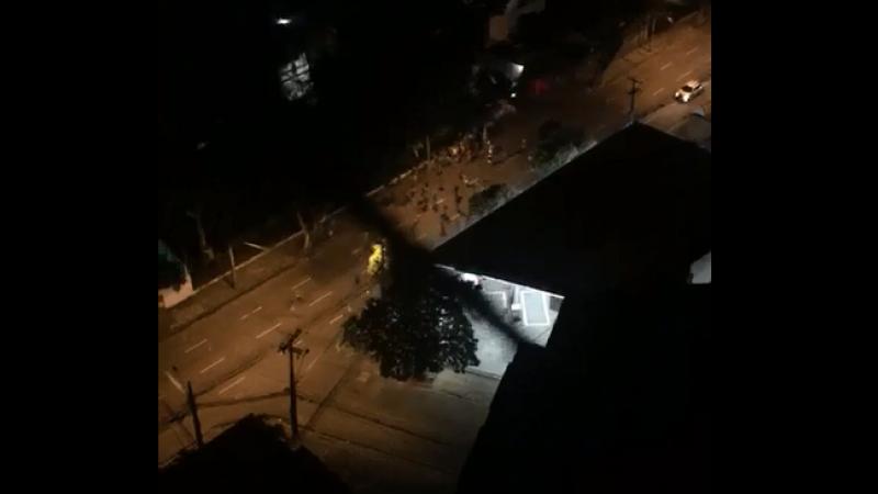 Segundo relatos de moradores, perseguições policiais e trocas de tiros foram realizadas na Rua Santo Elias e na Conselheiro Portela, no Espinheiro