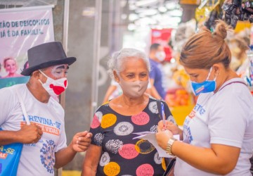 Cabo realiza cadastramento de idosos e ação de conscientização contra a Covid-19 no comércio