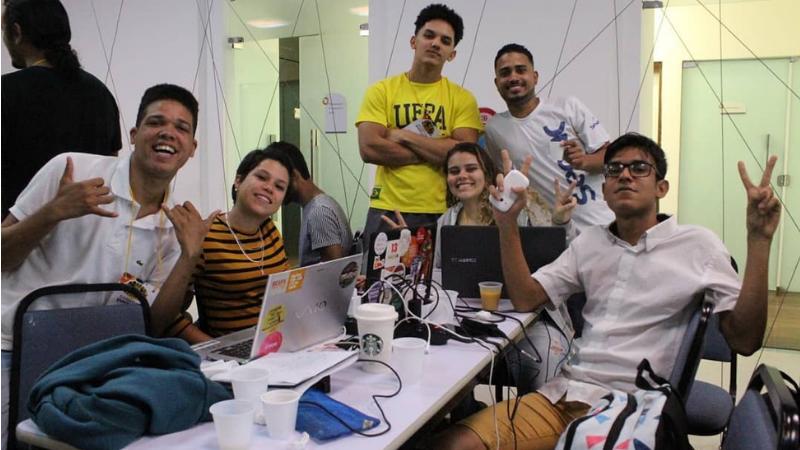 O Programa Conexões Periféricas é voltado para jovens de 16 até 25 anos e que residem nas periferias do Recife
