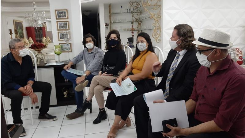 O desejo do empresário José Antônio Alves em fazer de Caruaru uma cidade mais arborizada, recebeu adesão de expressiva parcela da sociedade caruaruense e o apoio da prefeitura local.