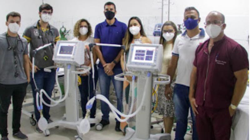 O prefeito Duguinha Lins (PSDB), viablilizou a chegadados equipamentos peranteo Ministério da Saúde, através da articulação dodeputado André de Paula (PSD).