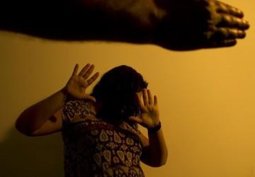 Duas vezes vítimas: mulheres sofreram agressões durante quarentena imposta pela pandemia