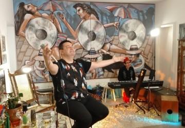 André Rio comemora aniversário com show online no Youtube