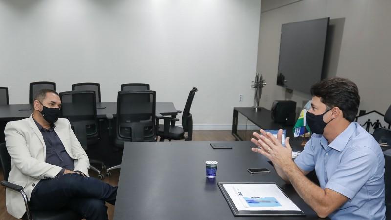 O gestor do município sertanejo conheceu o Complexo Administrativo da Prefeitura do Jaboatão e destacou a importância de debater sobre ações com quem já vem realizando gestões reconhecidas.