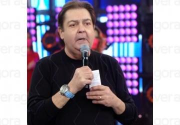 Faustão ostenta relógio de quase R$ 1 milhão  durante seu programa