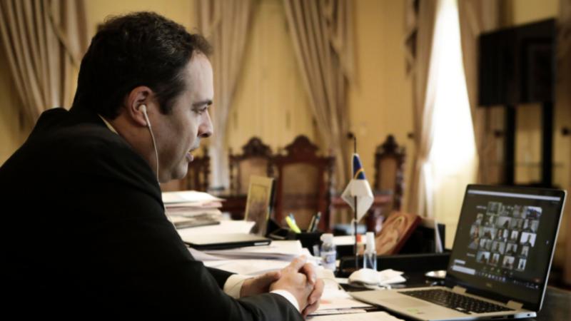Governador e integrantes do Gabinete de Enfrentamento à Covid mostraram aos gestores dados  que apontam aumento de solicitações de leitos e casos na região