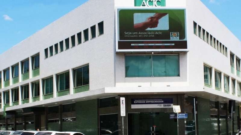 Nesta quinta-feira (4), a Associação Comercial e Empresarial de Caruaru (ACIC) comemora 99 anos de atuação em Caruaru, no Agreste de Pernambuco. Desde a fundação, em 1920, a ACIC tem fortalecido todos os