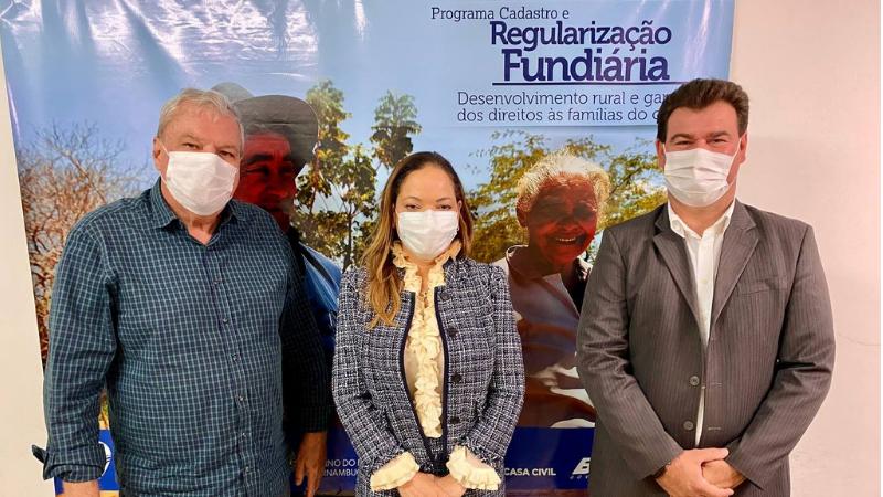 O prefeito se reuniu com o presidente do Iterpe, Henrique Queiroz e a secretária Edna Gomes, na sede da instituição no Recife