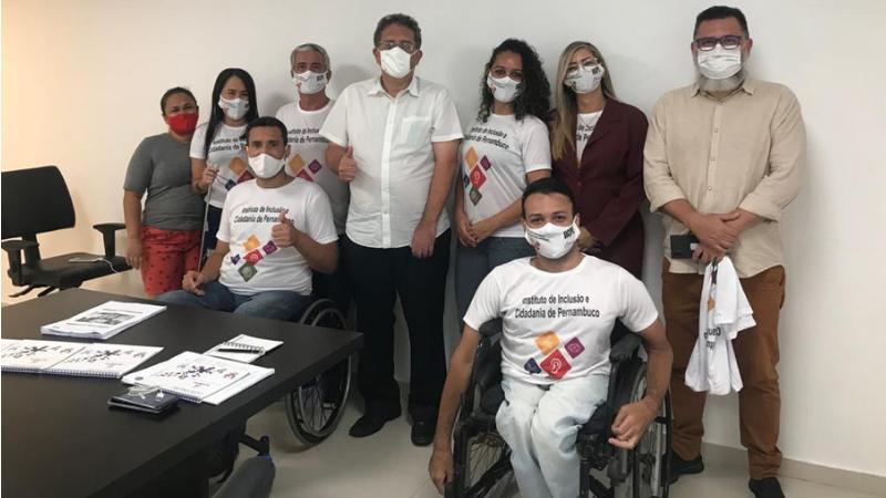 O Instituto de Inclusão e Cidadania de Pernambuco está se reunindo com os candidatos a prefeito da cidade, para que se comprometam com a defesa da inclusão da pessoa com deficiência