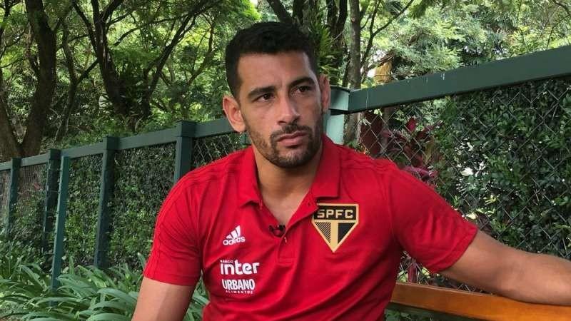 O empresário de Diego Souza, Eduardo Uram, afirmou que a negociação para o centroavante do São Paulo se transferir ao Sport está encerrada.