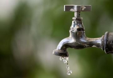 Obra da Compesa deixa bairros de Olinda e Paulista sem água.