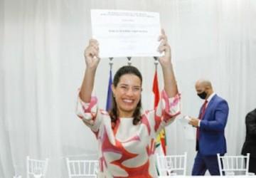 Raquel Lyra é diplomada em Carurau
