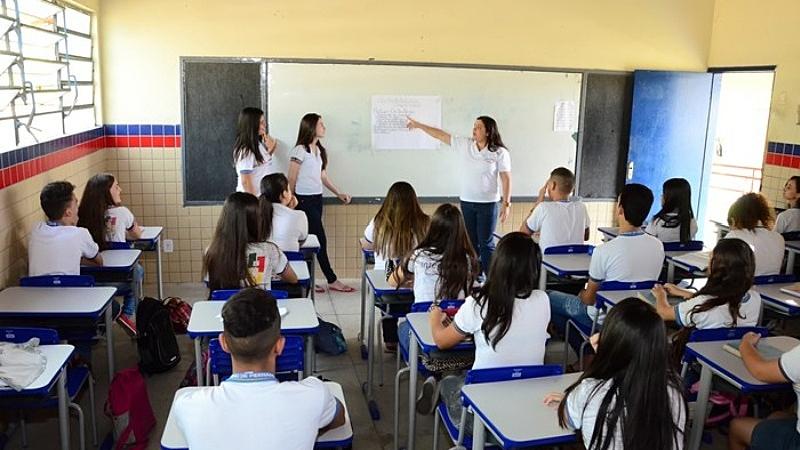 Protocolo para retomada do ensino presencial foi definido com a participação de infectologistas. Mais de R$ 5 milhões foram investidos na preparação das escolas