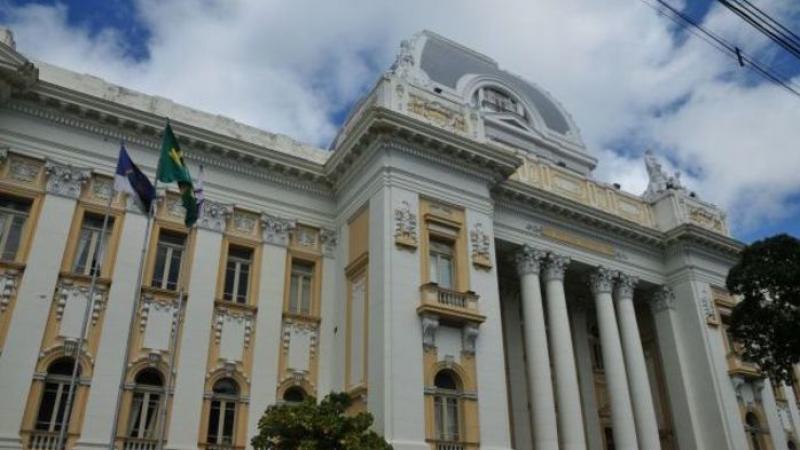 O valor, considerado o maior já pago em Pernambuco, tem como beneficiários 622 médicos, peritos e delegados da SDS