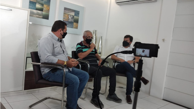 O candidato a prefeito realizou uma live de alto nível com quadros de entrevistas nas ruas. A live contou também com a participação de seu vice Dido Vieira.