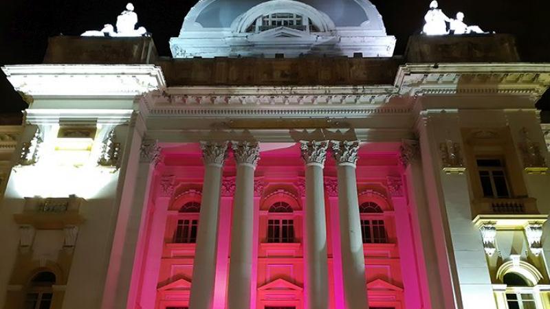 O objetivo da ação é conscientizar sobre a importância da prevenção ao câncer de mama, doença que mais mata mulheres no Brasil, de acordo com o Instituto Nacional de Câncer (INCA).