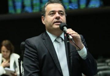 Danilo Cabral convoca Pazuello para prestar esclarecimento à Câmara