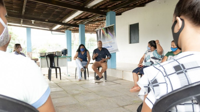 A programação contou com uma roda de diálogos sobre estupro corretivo para os moradores da comunidade de Pau Santo.
