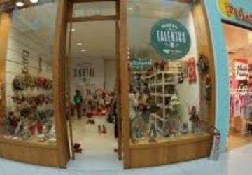 Artesãos de Brasília Teimosa e Pina vendem artigos natalinos em loja no Rio Mar