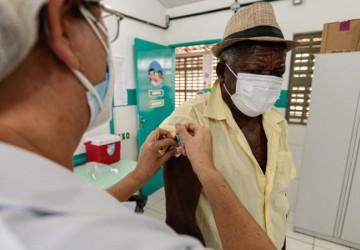 Cabo aplica primeira dose em população de 90 engenhos