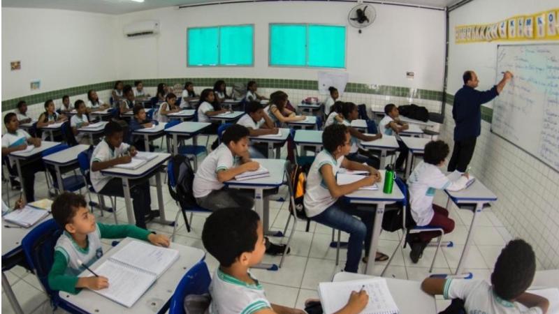 Do dia 4 ao dia 15 de janeiro acontece o período de transferência dos estudantes entre as unidades do munícipio. Já a matrícula para novos estudantes da rede, tanto para a área urbana como na área rural, acontece de 11 a 29 de janeiro