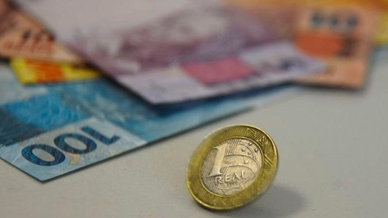 No ano, saques superam depósitos em quase R$ 17 bilhões