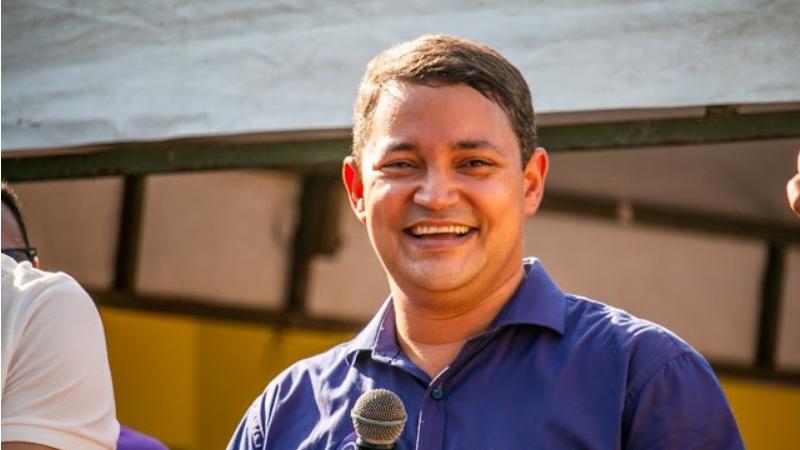 Candidato a Prefeitura pelo PSB, concorreu pela primeira vez a um cargo eletivo, obtendo 42,48% dos votos válidos no segundo turno