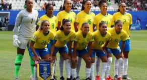 Brasil encara a Itália e busca classificação para as oitavas na Copa