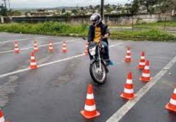 PCR inicia curso de treinamento em primeiros socorros e pilotagem defensiva para motociclistas entregadores