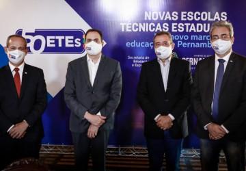 Paulo Câmara anuncia quatro novas escolas técnicas