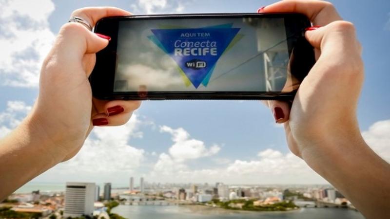 Ação faz parte do Programa WIFI Conecta Recife e irá beneficiar diretamente mais de 200 comerciantes, fomentando a economia de São José.