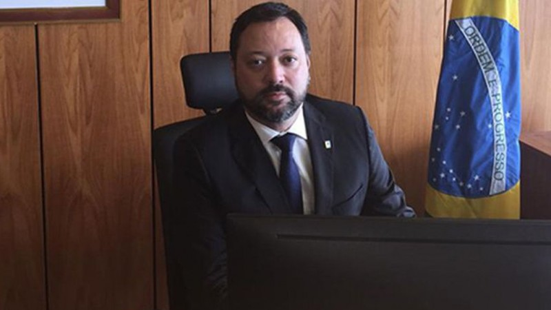 O novo presidente do Inep é formado em Engenharia Química pela Universidade Federal do Rio de Janeiro (UFRJ) e Direito pela Universidade de Brasília (UnB).