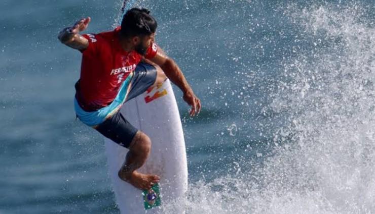Potiguar de Baía Formosa, o surfista Italo Ferreira é Ouro em Tóquio
