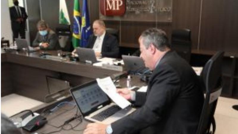 De acordo com informações prestadas ao CNMP por ramos e unidades do Ministério Público, há uma quadrilha utilizando o aplicativo de mensagens WhatsApp para contatar Prefeituras e Câmaras Municipais