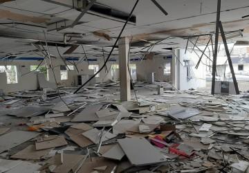 Polícia investiga vandalismo em agência do INSS