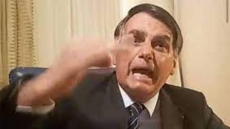 Em mais um ato de desequilíbrio, Bolsonaro atacou jornalistas e ignorou mortes causadas pela pandemia no Brasil