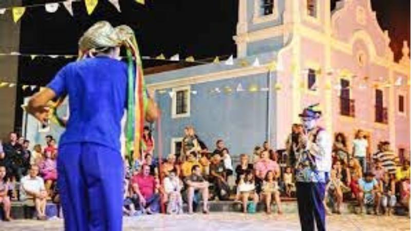 A Prefeitura do Recife prorrogou até sexta-feira (6) as inscrições, que são virtuais e atenderão até 700 espaços culturais e 994 projetos