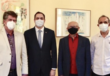 Dr. Marcones e Dr. Edilton, levam principais demandas de Salgueiro para o governador