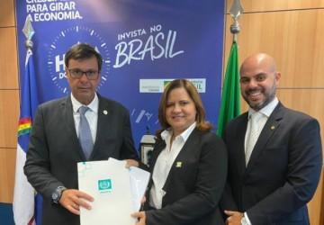 Prefeita  Célia Sales apresenta no Ministério do Turismo projeto de saneamento de Porto de Galinhas